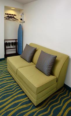 Hi View Inn & Suites - Manhattan Beach - Living room