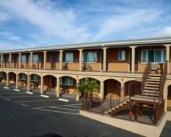 Hi View Inn & Suites - Manhattan Beach - Building