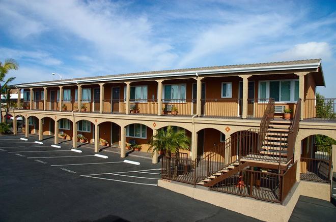Hi View Inn & Suites - Manhattan Beach - Building