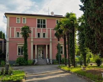 Residenza Villa Werder Amici Di Casa Molinari - Arco - Building