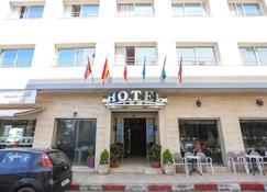 Hôtel Suite Martil - Martil - Bâtiment