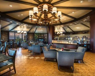 Lodge Of Four Seasons Golf Resort, Marina & Spa - Lake Ozark - Бар