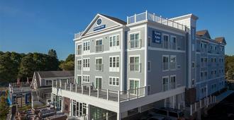 Hyannis Harbor Hotel - היאניס