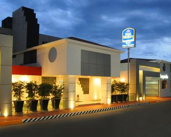 Best Western Plus Plaza Vizcaya - Durango - Building