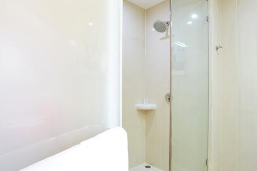 Red Planet Phuket Patong - Bãi biển Patong - Phòng tắm