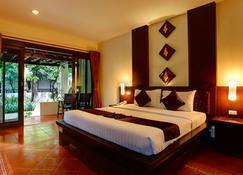 Duangjitt Resort, Phuket - Патонг - Спальня