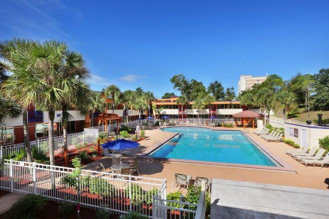 Maingate Kissimmee Hotel - Orlando - Piscina