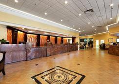 Red Lion Hotel Orlando Kissimmee Maingate - Орландо - Лобби