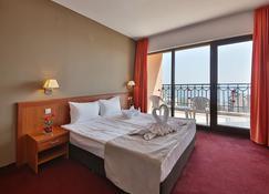 Prestige Hotel & Aquapark - Golden Sands - Bedroom