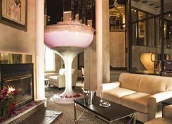 Pocono Palace Resort - East Stroudsburg - Living room