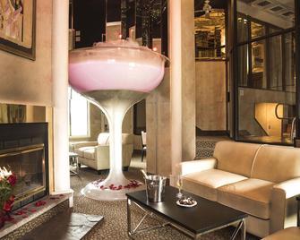 Pocono Palace Resort - East Stroudsburg - Вітальня