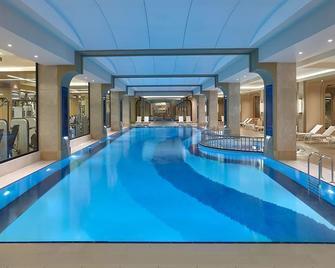 إليت وورلد بيزنس هوتل - اسطنبول - حوض السباحة