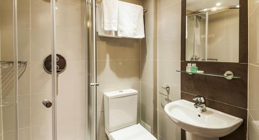 Castleton Hotel - London - Bathroom