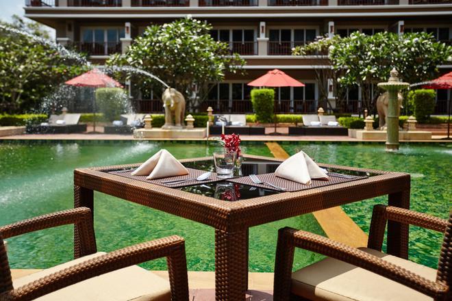 Romantic Resort and Spa - Mu Si - Patio