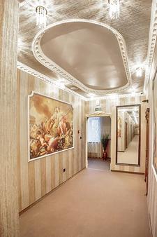 Praga Hotel - Krasnodar - Διάδρομος