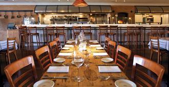 Tally Ho Inn - Carmel-by-the-Sea - Restaurant