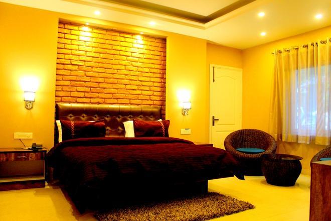 Nirvana Lodge & Lounge, Mussoorie - Mussoorie - Bedroom
