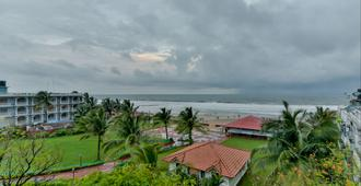 Baga Fantacia Beach Inn - Baga - Outdoor view
