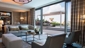 JW Marriott Hotel Macau - Macau - Living room