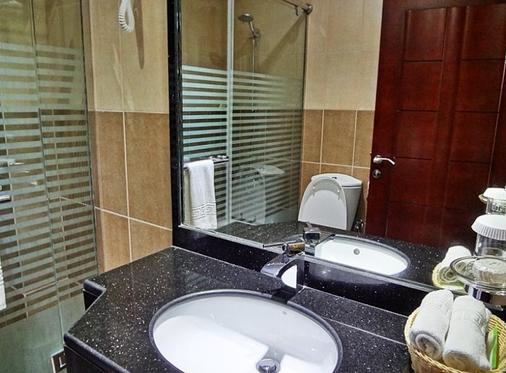 Hala Inn Hotel Apartments - Ajman - Bathroom