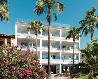 Hotel Honucai - Colònia de Sant Jordi - Building