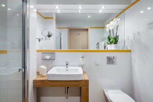 Best Western Plus Arkon Park Hotel - Gdansk - Bathroom