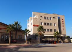 Aragosta Hotel & Restaurant - Durrës - Bygning