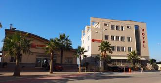 Aragosta Hotel & Restaurant - Durrës - Edificio