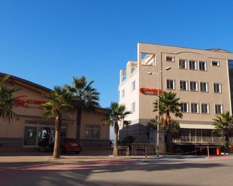 Aragosta Hotel & Restaurant - Durrës - Gebäude