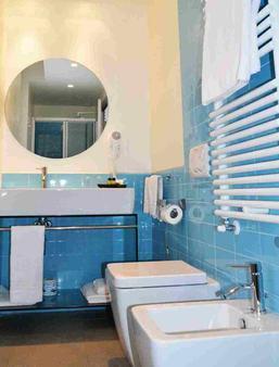 Avenue Hotel - Como - Bathroom