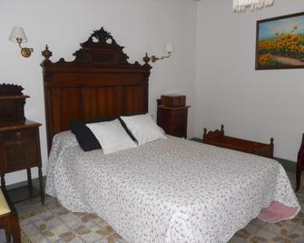 Hotel 1900 Casa Anita - Requena - Bedroom
