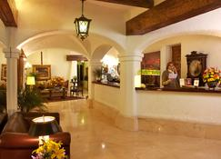 Antara Hotel - Lima - Front desk