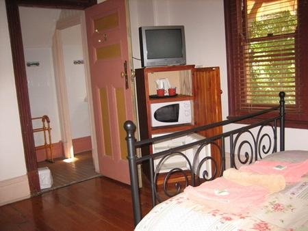 Burwood Bed And Breakfast - Burwood - Bedroom