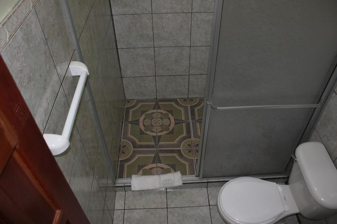 Loma Real Hotel & Hotsprings - La Fortuna - Bathroom