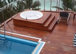 機場海灘酒店 - 哈休瑪萊 - 胡魯馬累 - 游泳池