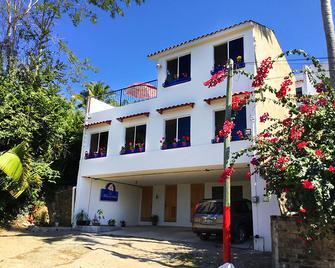 Hotel Quinta Mar y Selva - Chacala - Building
