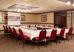 High Desert Inn - Elko - Meeting room