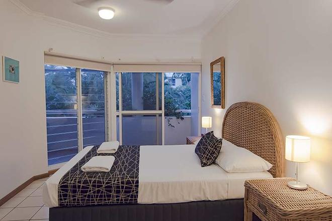 Beach Terraces - Port Douglas - Bedroom