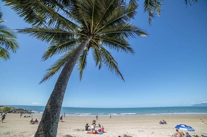 Beach Terraces - Port Douglas - Beach