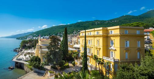 阿瑪麗亞瑞森高級別墅酒店 - 只招待成人入住 - 歐帕提雅 - 奧帕提亞 - 建築