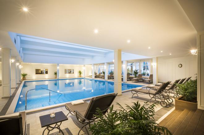 Remisens Premium Grand Hotel Palace - Opatija - Uima-allas