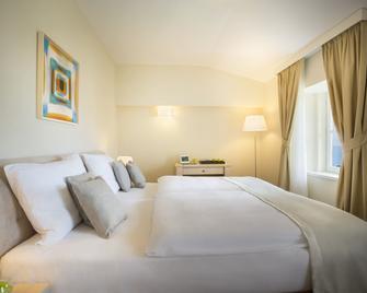 Remisens Villa Belvedere - Lovran - Bedroom