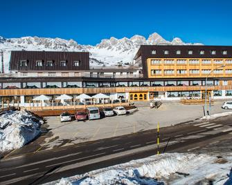 Hotel Arnika Wellness - San Pellegrino - Building