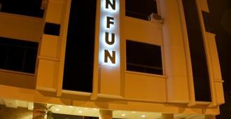 Hotel Lun Fun Manta - Manta