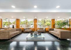 NH 大西洋省拉科魯尼亞酒店 - 科盧納 - 拉科魯尼亞 - 大廳