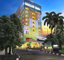 Grand Candi Hotel