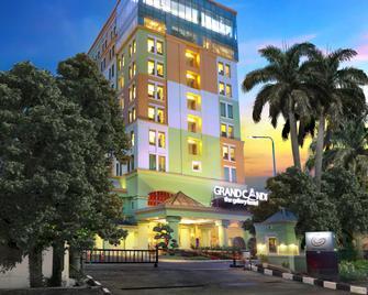 Grand Candi Hotel - Semarang - Toà nhà