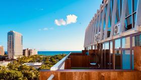 Hotel Lacroix - Honolulu - Balcony