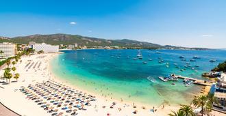 Hotel Seramar Comodoro Playa - Palma Nova - Beach