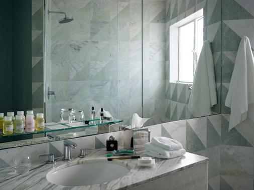 Avalon Hotel Beverly Hills, a Member of Design Hotels - Beverly Hills - Bathroom
